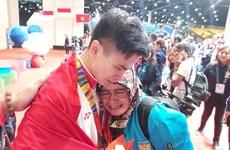 VĐV Indonesia chỉ biết tin cha mất sau khi giành HCV tại SEA Games 30