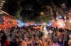Hà Nội: 'Biển người' đổ về các tuyến phố cổ dịp Tết trung thu