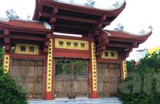 [Video] Mục sở thị vẻ đẹp cổ kính của chùa Thiên Niên ven Hồ Tây
