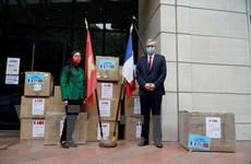 Cộng đồng Việt chung tay hỗ trợ người dân Pháp vượt qua đại dịch