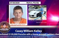 """""""Siêu lừa"""" Mỹ mua xe sang Porsche và đồng hồ Rolex bằng séc giả"""