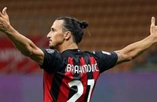 Ibrahimovic ở lại AC Milan thêm một năm, nhận lương 7 triệu euro