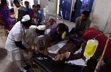 Ấn Độ: Lại xảy ra ngộ độc rượu tập thể khiến nhiều người tử vong