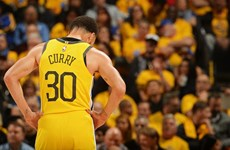 """Toronto Raptors khiến Golden State Warriors trở thành """"cựu vương"""" NBA"""
