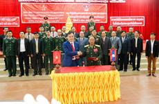 Tiễn đưa hài cốt liệt sỹ quân tình nguyện Việt Nam hy sinh tại Lào
