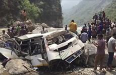 Ấn Độ: Số người thiệt mạng trong vụ xe buýt rơi xuống hẻm núi tăng cao