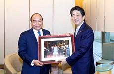 Hình ảnh Thủ tướng trong buổi làm việc với Thủ tướng Nhật Bản