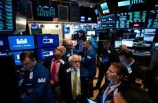"""Chứng khoán toàn cầu """"u ám"""" do nhiều số liệu kinh tế kém lạc quan"""