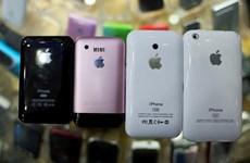 Một công dân Trung Quốc bị Mỹ phạt tù 3 năm vì buôn lậu hàng Apple giả