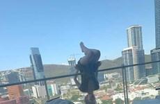 Cô gái trẻ may mắn sống sót sau khi ngã khỏi ban công ở độ cao 25m