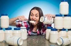 Mỹ: Giáo viên dạy toán lập kỷ lục Guinness về... ăn mayonnaise