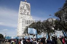 Argentina: Biểu tình lớn yêu cầu chính phủ hỗ trợ người nghèo