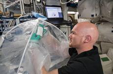 Các nhà khoa học lần đầu tiên chế tạo được xi măng trên vũ trụ