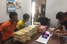 Quảng Trị bắt 2 đối tượng vận chuyển hàng trăm nghìn viên ma tuý