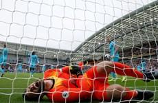 Hugo Lloris gặp chấn thương khi Tottenham 'thảm bại' trước Brighton