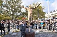 Người dân Thụy Điển dựng tượng tri ân Zlatan Ibrahimovic