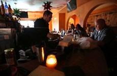 Mỹ: Bang California 'chìm vào bóng đêm' do cắt điện trên diện rộng