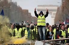 Biểu tình trên toàn nước Pháp kỷ niệm một năm phong trào 'Áo vàng'