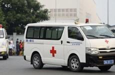 [Video] Xe chở thi thể người Việt thiệt mạng ở Anh rời sân bay Nội Bài