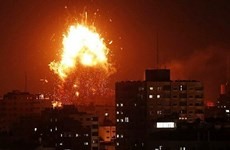 Israel không kích trả đũa các vụ bắn rocket từ dải Gaza
