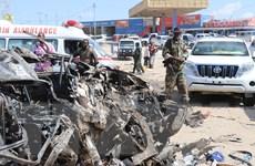 Khung cảnh kinh hoàng sau vụ đánh bom đẫm máu tại Somalia
