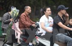 Hà Nội: Nhiều người dân không đội mũ bảo hiểm khi tham gia giao thông