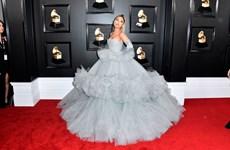Các ngôi sao làng giải trí rạng rỡ trên thảm đỏ Grammy