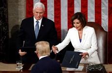 Mỹ: Tổng thống Trump từ chối bắt tay Chủ tịch Hạ viện Pelosi