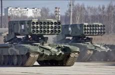 """Nga phô diễn sức mạnh khủng khiếp của """"rồng lửa"""" TOS-1A"""