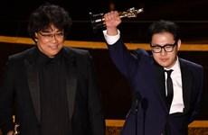 """""""Parasite"""" gây chấn động khi 'gặt' nhiều giải quan trọng ở Oscar 2020"""