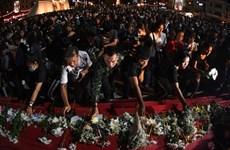 Người dân Thái Lan tưởng nhớ các nạn nhân xấu số trong vụ xả súng
