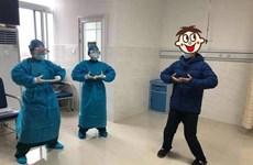 Trung Quốc: Bác sỹ cùng bệnh nhân tập khí công để ngăn ngừa dịch bệnh