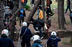 Hy Lạp lên kế hoạch trục xuất những người di cư trái phép