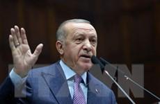 Thổ Nhĩ Kỳ chỉ trích cách Hy Lạp đối xử với người tị nạn