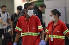 Brazil phong tỏa biên giới sau khi ghi nhận số ca mắc COVID-19 kỷ lục