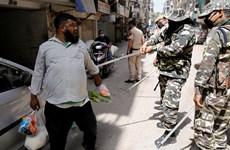 Cảnh sát Ấn Độ mạnh tay trấn áp người vi phạm quy định giới nghiêm