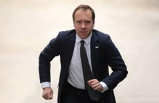 Bộ trưởng Y tế Anh Matt Hancock dương tính với virus SARS-CoV-2