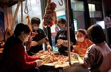 Các khu chợ hàng tươi sống ở Vũ Hán gặp khó khăn khi hoạt động trở lại