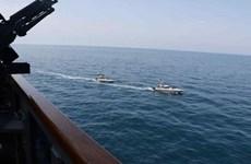 Tàu tuần tra Iran quấy nhiễu tàu chiến Mỹ tại vịnh Persian