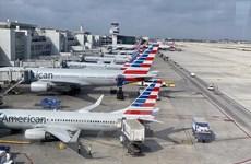 Các hãng hàng không Mỹ chật vật vì dịch bệnh COVID-19