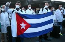 """""""Đội quân áo trắng"""" Cuba giúp đỡ Italy đương đầu với COVID-19"""