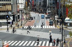 Đường phố Nhật Bản tấp nập trở lại sau khi dỡ bỏ tình trạng khẩn cấp