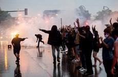 Mỹ: Phá hoại, hôi của xảy ra trong các vụ biểu tình tại Minneapolis