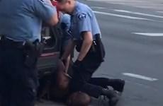Thêm nhiều thông tin chưa hé lộ về vụ cảnh sát Mỹ giết người da đen