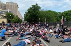 Mỹ: Người biểu tình nằm la liệt trước cửa Nhà Trắng