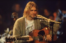 Cây guitar của huyền thoại Kurt Cobain chuẩn bị được đem ra đấu giá