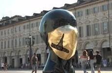 Italy: Thiết kế khẩu trang bằng vàng để tri ân đội ngũ y tế
