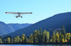Mỹ: Hai máy bay đâm nhau, rơi xuống hồ gây thương vong