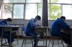 [Video] Học sinh Trung Quốc bước vào kỳ thi đại học trong mùa dịch