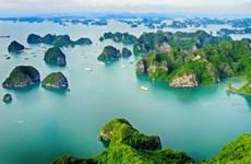 Vịnh Hạ Long lọt tốp 50 kỳ quan du lịch thiên nhiên thế giới